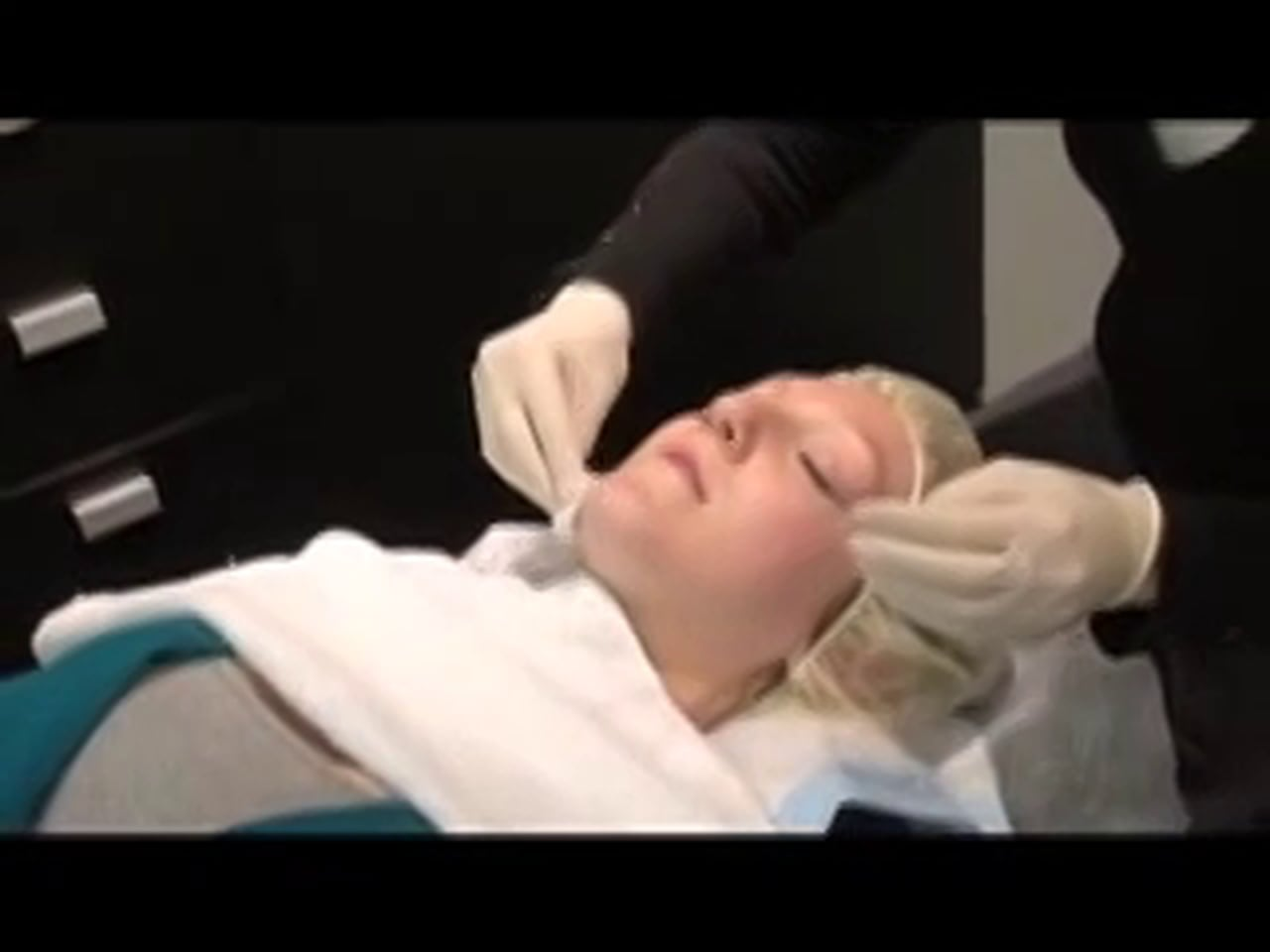girl getting filler injection